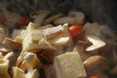 ciuperci cu sos brie 06