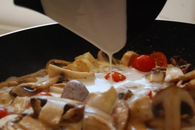ciuperci cu sos brie 07